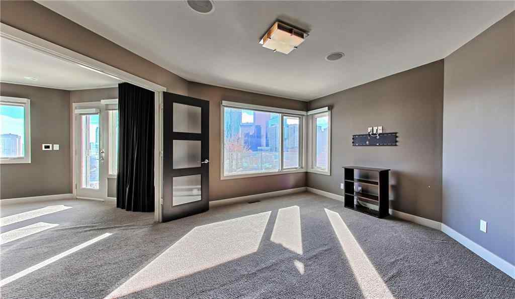 MLS® #A1028797 - 217 2 Avenue NE in Crescent Heights Calgary, Residential Open Houses