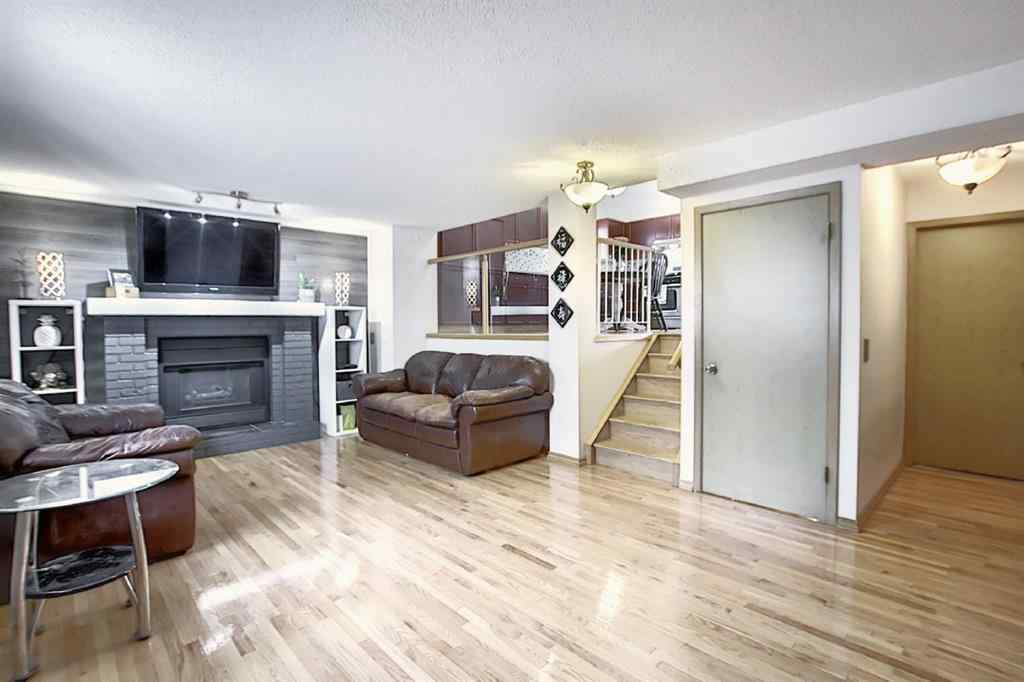 MLS® # A1033219 - 52 COSTA MESA Place NE in Monterey Park Calgary, Residential Open Houses