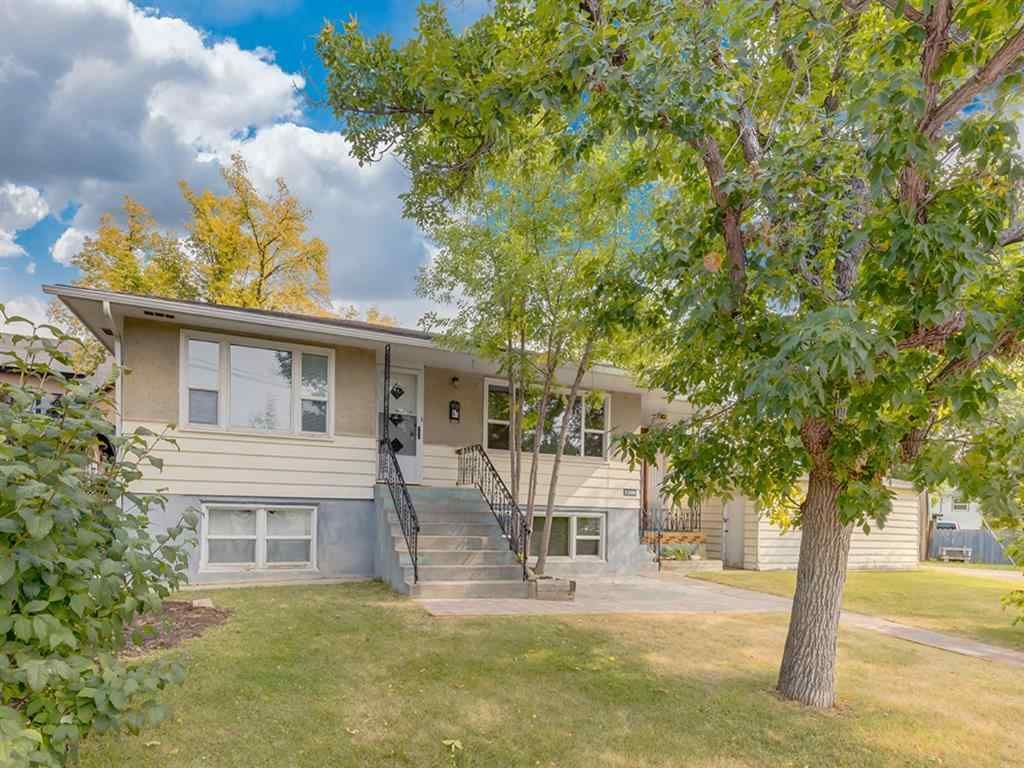 MLS® # A1033423 - 3208 7 Avenue NW in Parkdale Calgary, Residential Open Houses