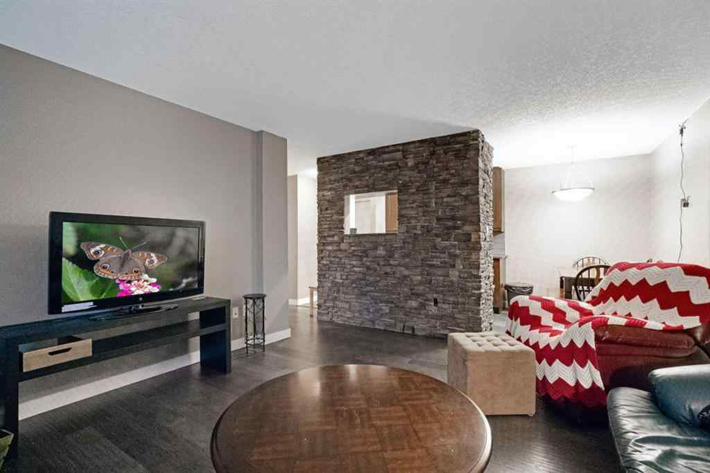 MLS® # A1034342 - 1411 7 Avenue NW in Hillhurst Calgary, Residential Open Houses