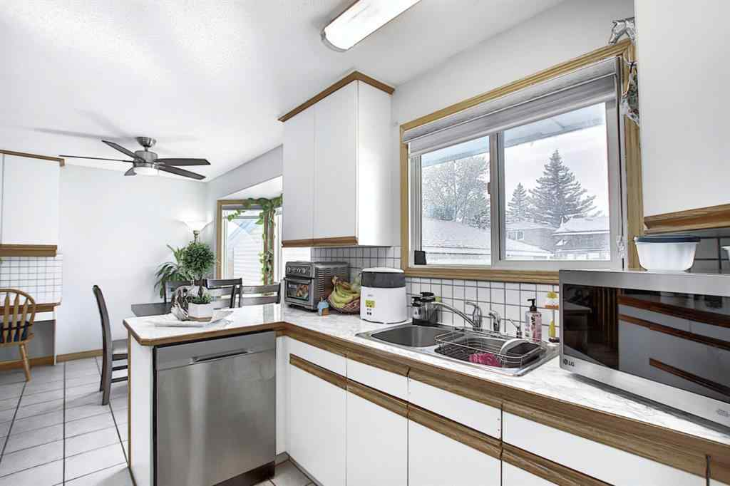 MLS® #A1034680 - 1847 38 Street NE in Rundle Calgary, Residential Open Houses