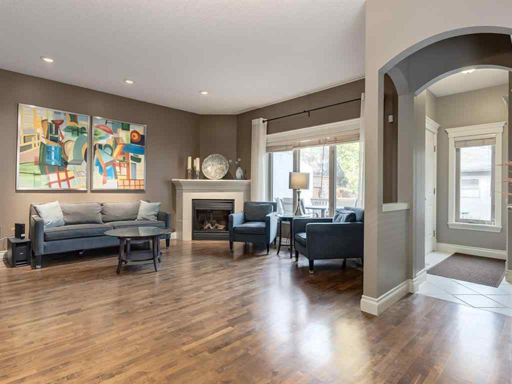 MLS® # A1036665 - 2218 5 Avenue NW in West Hillhurst Calgary, Residential Open Houses