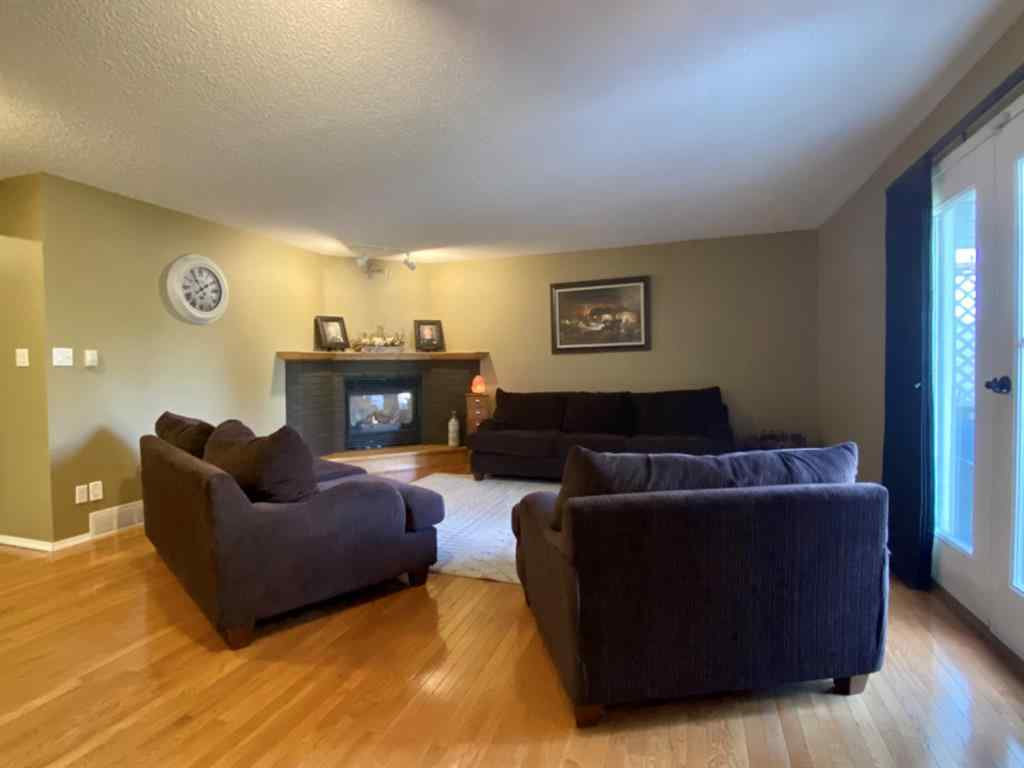 MLS® # A1037285 - 32 Upland Crescent W in Uplands Brooks, Residential Open Houses