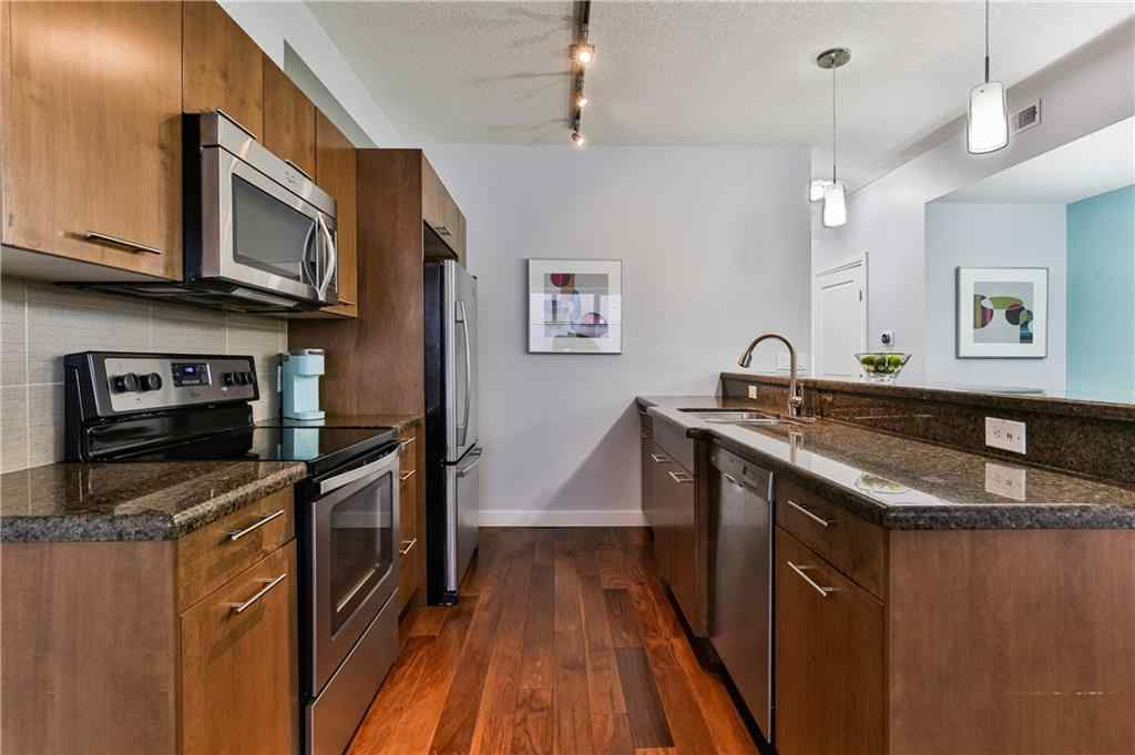 MLS® #A1037603 - Unit #203 476 14 Street NW in Hillhurst Calgary, Residential Open Houses