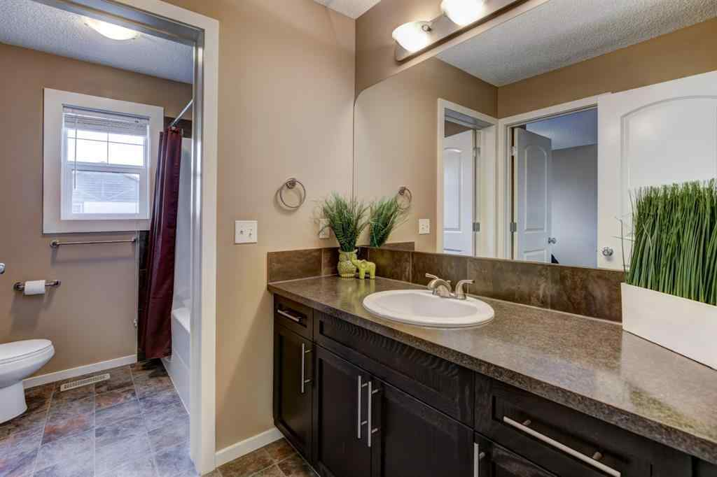 MLS® # A1039764 - 1202 Kingston Crescent SE in Kings Heights Airdrie, Residential Open Houses