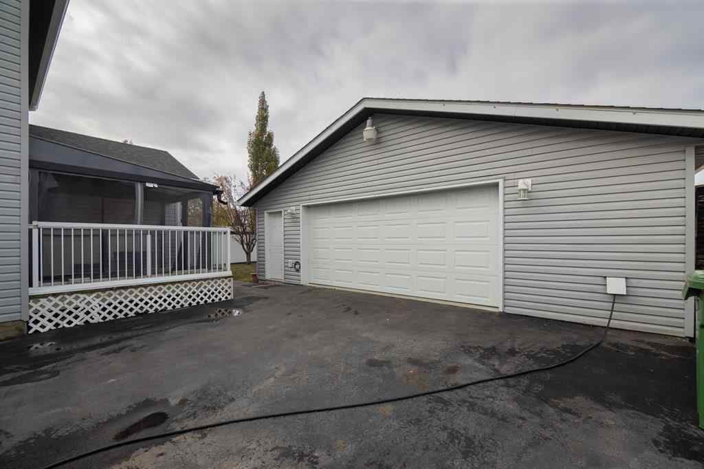 MLS® #A1041764 - 2007 Woodside Boulevard NW in Woodside Airdrie, Residential Open Houses