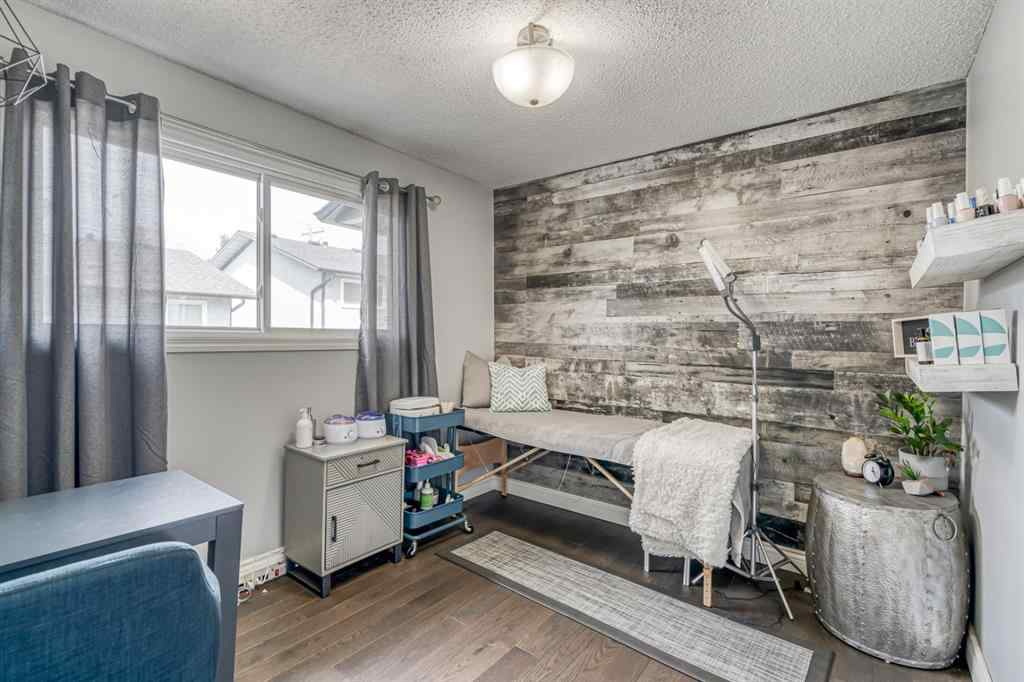 MLS® #A1043219 - 2233A 29 Street SW in Killarney/Glengarry Calgary, Residential Open Houses