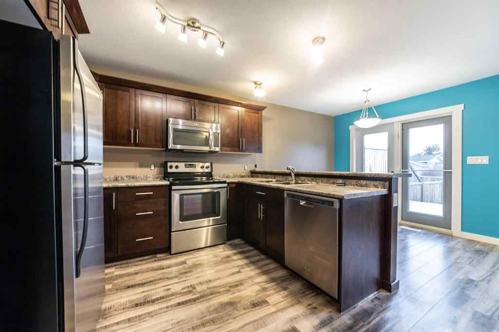 MLS® # A1044621 - Unit #2  5002  51 Avenue   in Blackfoot Blackfoot, Residential Open Houses