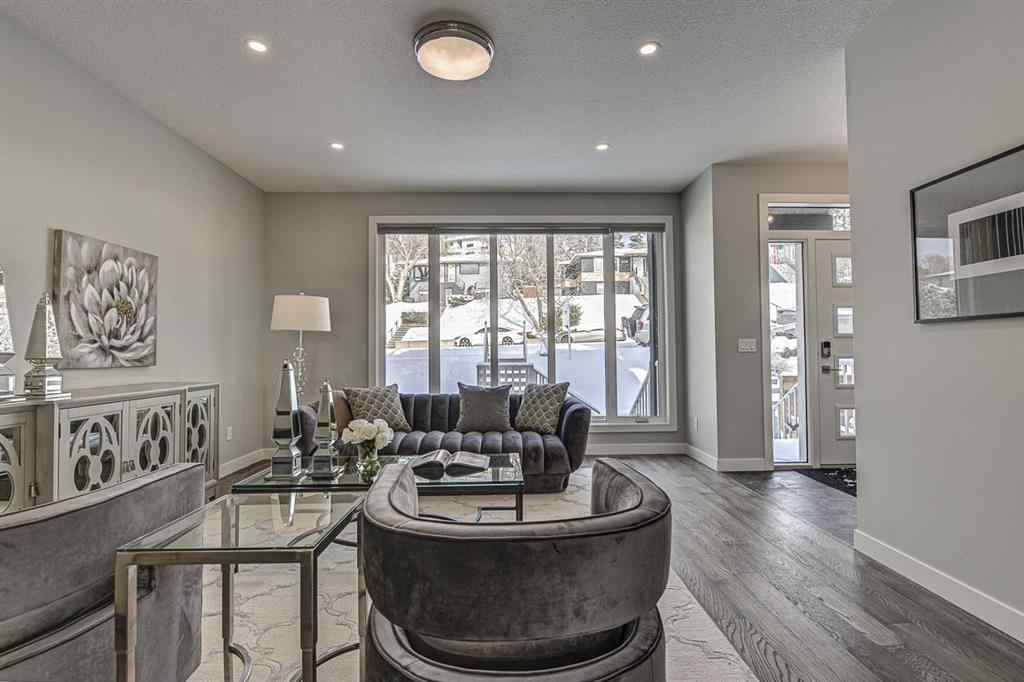 MLS® # A1044798 - 833 Bridge Crescent NE in Bridgeland/Riverside Calgary, Residential Open Houses