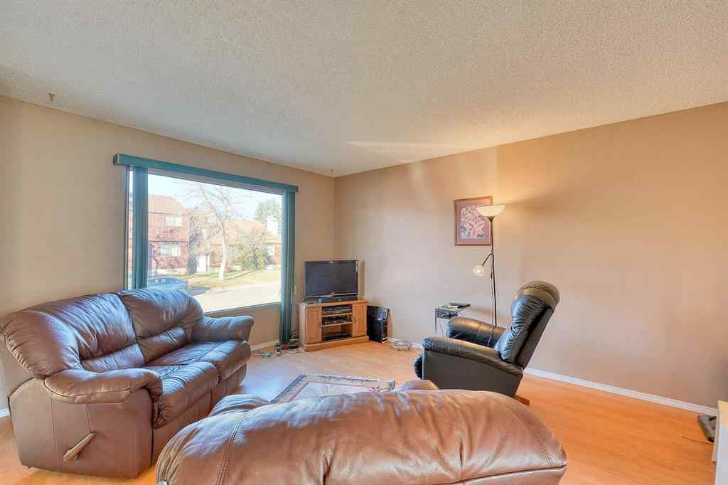 MLS® # A1045031 - 383 Templeside Circle NE in Temple Calgary, Residential Open Houses