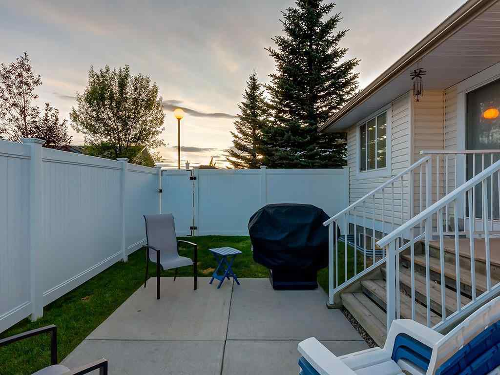 MLS® #A1045350 - Unit #11 4 STONEGATE Drive NW in Stonegate Airdrie, Residential Open Houses
