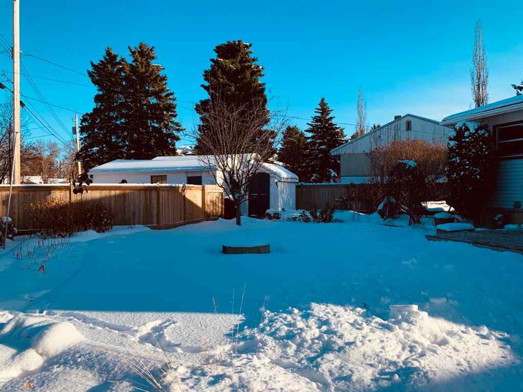 MLS® # A1050977 - 5614 50A Avenue  in Prospect Camrose, Residential Open Houses