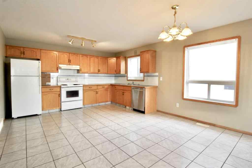 MLS® #A1053862 - Unit #4E 104 Upland Trail W in Uplands Brooks, Residential Open Houses