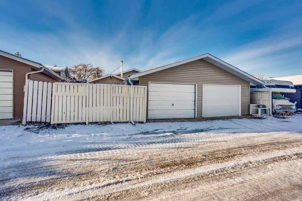 MLS® # A1054088 - 60 Taylor Way SE in Thorburn Airdrie, Residential Open Houses