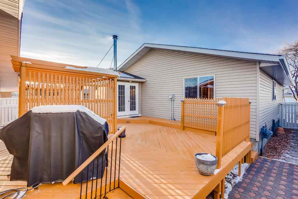 MLS® #A1054088 - 60 Taylor Way SE in Thorburn Airdrie, Residential Open Houses