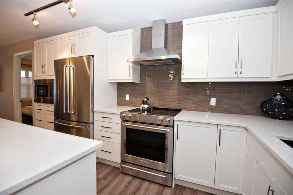 MLS® # A1054514 - Unit #2106 10 Market Boulevard SE in Kings Heights Airdrie, Residential Open Houses