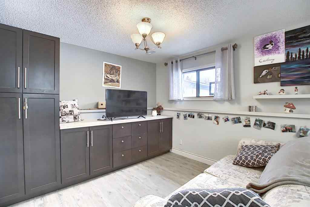 MLS® # A1055904 - 260 Marquis Place SE in Meadowbrook Airdrie, Residential Open Houses