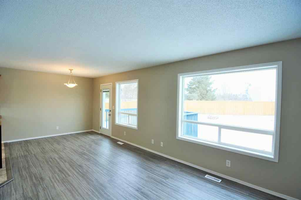 MLS® # A1056158 - 2 PINEWOOD Close  in Panorama Estates Blackfalds, Residential Open Houses