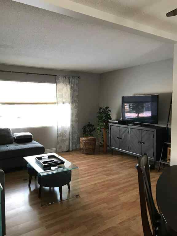 MLS® #A1057168 - 808 7 Avenue  in NONE Beaverlodge, Residential Open Houses