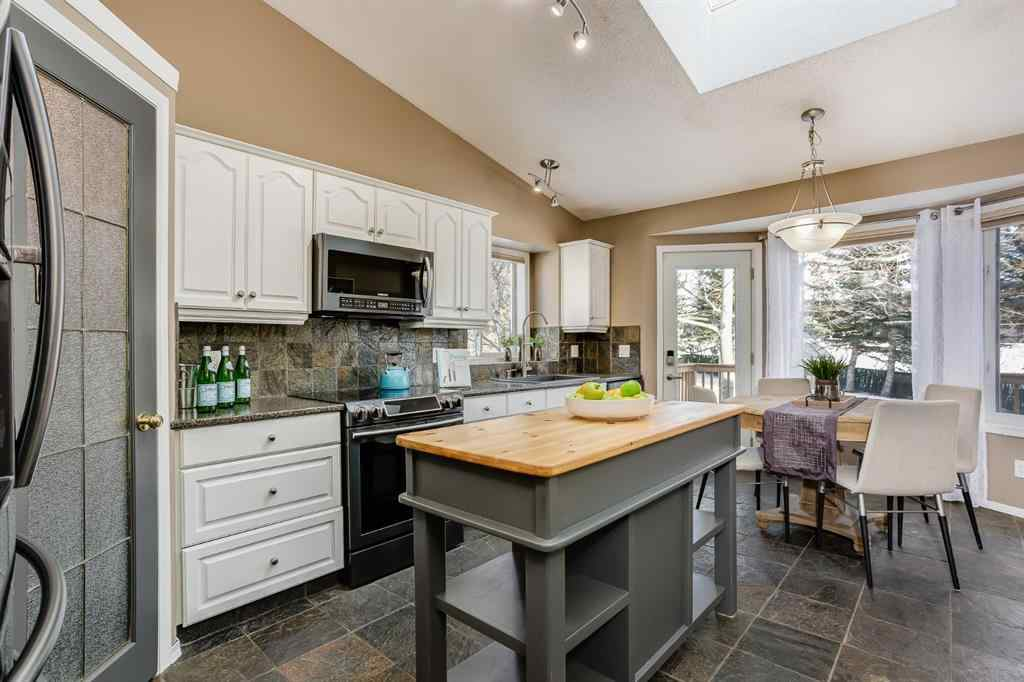 MLS® # A1058863 - 2511 Morris Crescent SE in Meadowbrook Airdrie, Residential Open Houses
