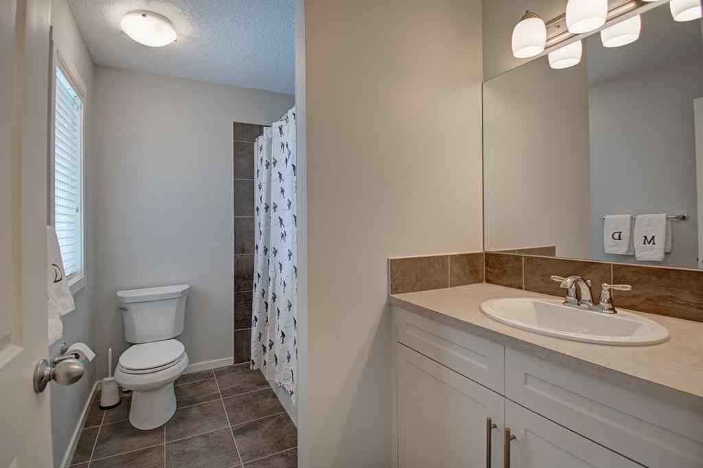 MLS® # A1059549 - 10 Kingsbury Close SE in Kings Heights Airdrie, Residential Open Houses