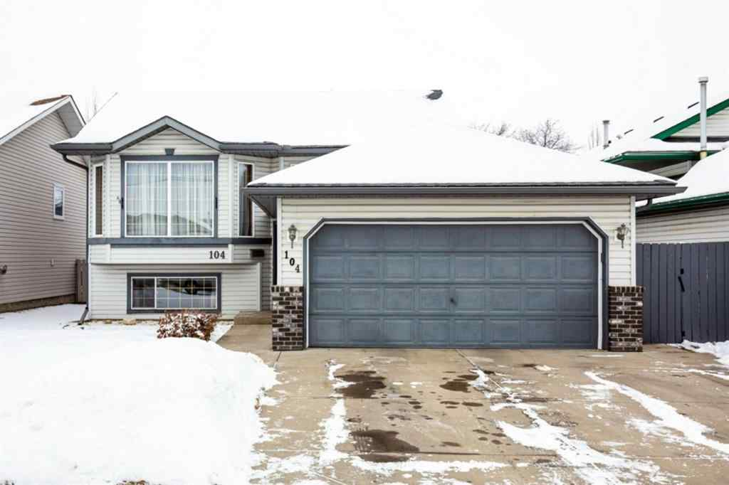 MLS® # A1066941 - 104 Willowbrook Close NW in Willowbrook Airdrie, Residential Open Houses