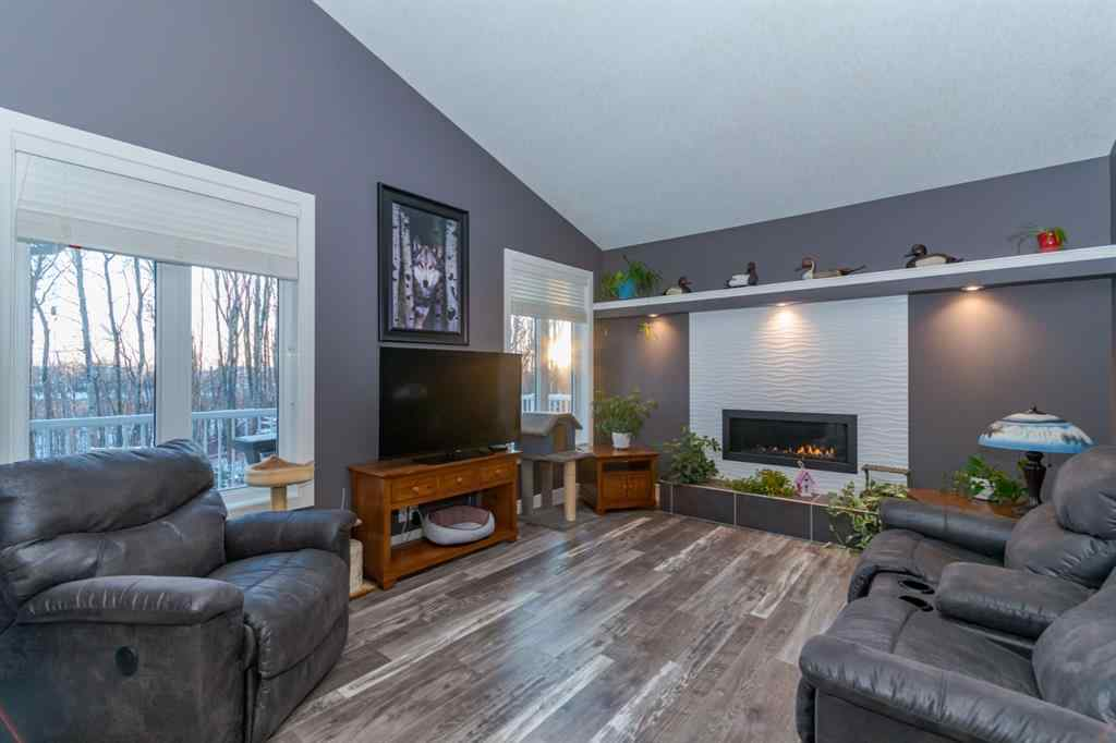 MLS® #A1068745 - 34 Coachill Street  in Cottonwood Estates Blackfalds, Residential Open Houses