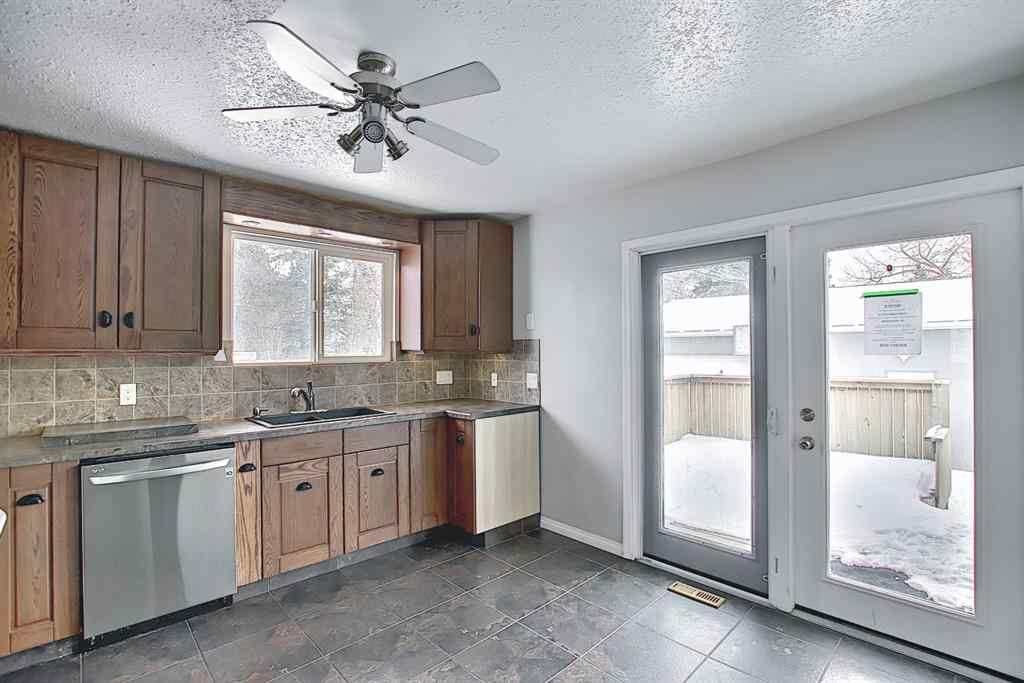 MLS® # A1071965 - 429 1 Avenue NE in Old Town Airdrie, Residential Open Houses