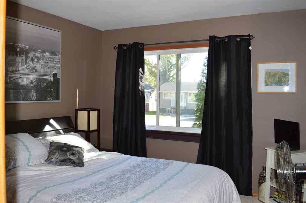 MLS® #A1072697 - 527 Centre Street  in Central Brooks, Residential Open Houses