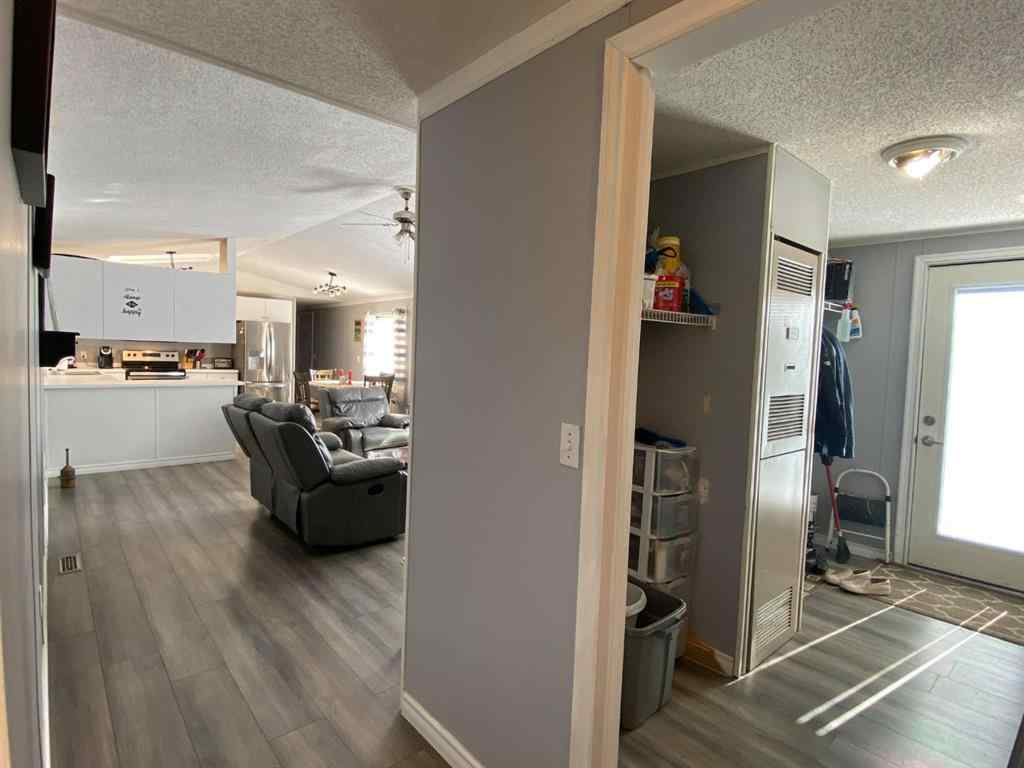 MLS® # A1086269 - Unit #E4 5500 Gregg Street  in Blackfalds MHP Blackfalds, Mobile Open Houses