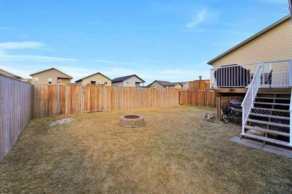 MLS® # A1088096 - 179 Cedar Square  in Cottonwood Estates Blackfalds, Residential Open Houses