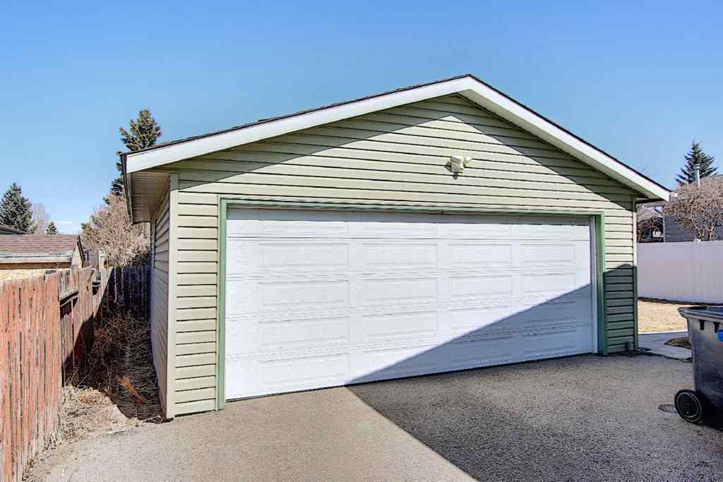 MLS® # A1088677 - 44 Big Springs Drive SE in Big Springs Airdrie, Residential Open Houses