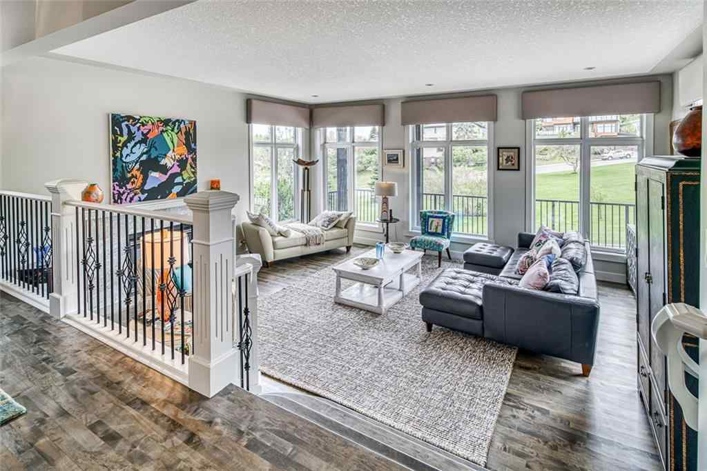 MLS® # C4297954 - 2 HAWTHORNE Crescent NW in Hounsfield Heights/Briar  Calgary, Residential Open Houses
