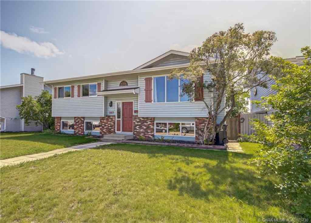 MLS® # CA0175730 - 102 Westview Crescent  in Harvest Meadows Blackfalds, Residential Open Houses