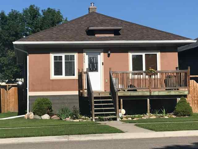 211 2  Street W in NONE Cardston