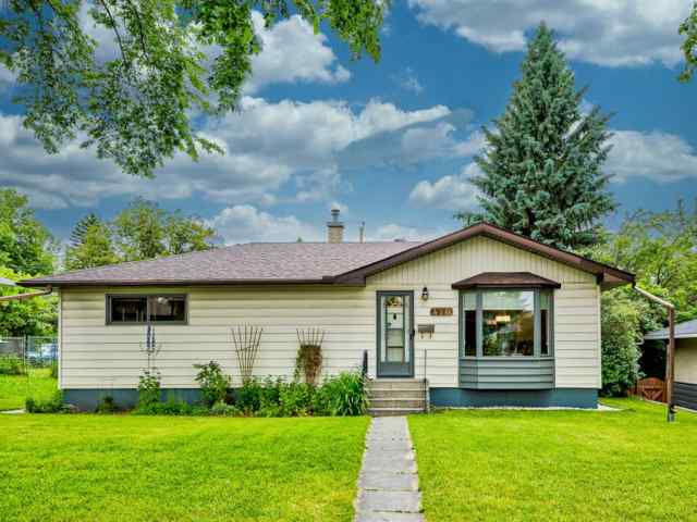 416 TAVENDER Road NW in Thorncliffe Calgary