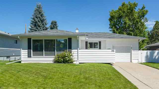 32 KIRBY Place SW in Kingsland Calgary MLS® #A1011201