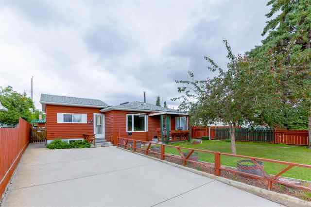 6421 30 Avenue NW in Bowness Calgary