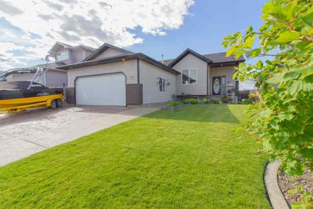343 Redcliff  Way SW in NONE Redcliff