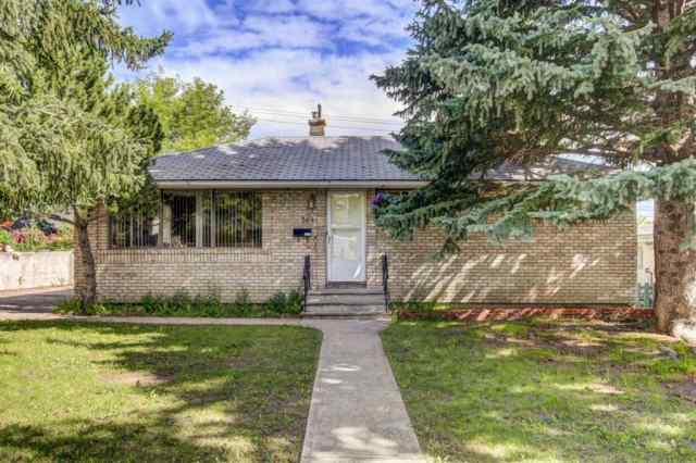 304 HENDON Drive NW in Highwood Calgary MLS® #A1011814