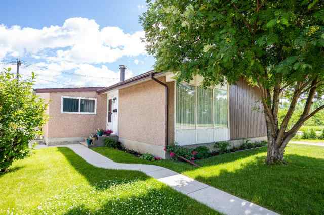 1 Fern  Road in Fairview Red Deer