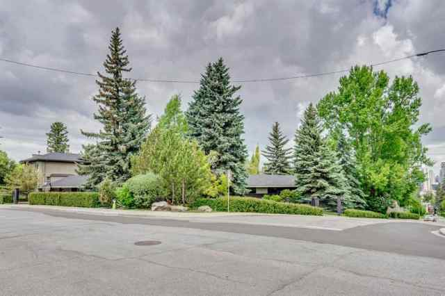 MLS® #A1012476 804 HILLCREST Avenue SW T2T 0Y9 Calgary