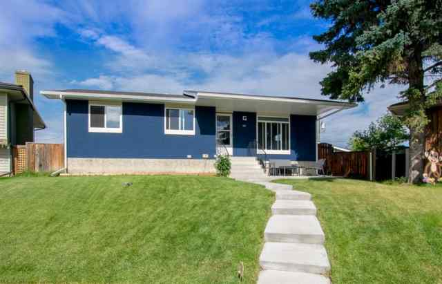 40 PENWORTH Place SE in Penbrooke Meadows Calgary