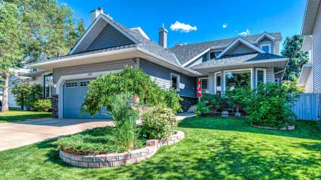 220  SCENIC GLEN  Place NW in Scenic Acres Calgary MLS® #A1013825