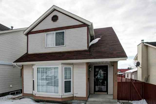 39 CASTLEGROVE Road NE in Castleridge Calgary