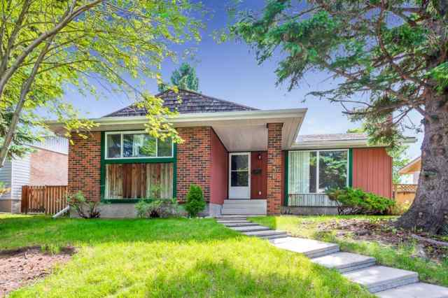 7036 Silverview Road NW T3B 3M1 Calgary