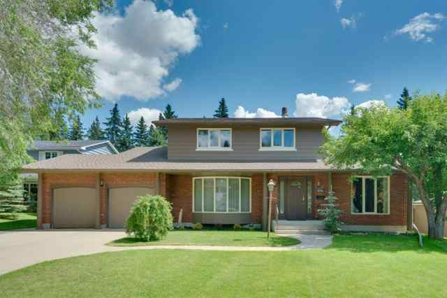 6724 LEPINE Court SW in Lakeview Calgary