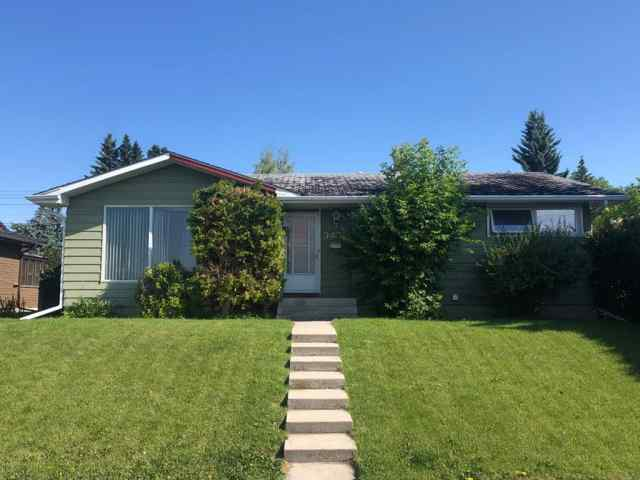 3408 LANCASTER Way SW in Lakeview Calgary