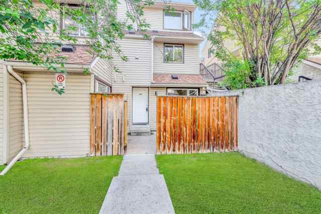 119, 36 GLAMIS Green SW in Glamorgan Calgary