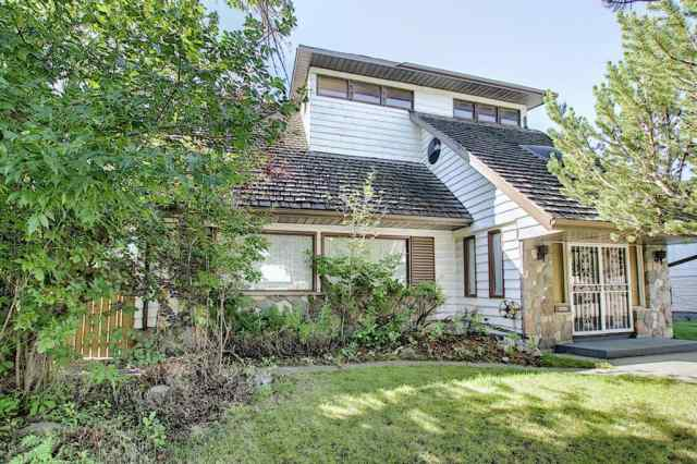 5607 LADBROOKE Place SW in Lakeview Calgary
